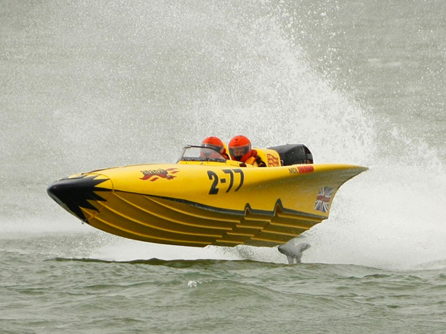 A day full of adrenaline capturing British Offshore Powerboat Racing