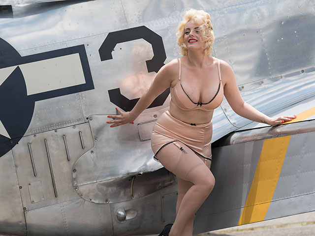 Recreating those Pin Up shots of the 1940's with WWII Fighter Planes