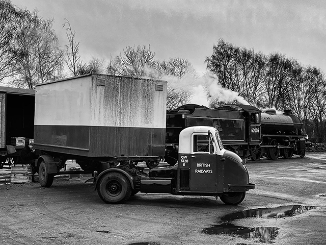 An evening of photography in and around the yard at Quorn featuring Jinty 47406, road steam and more