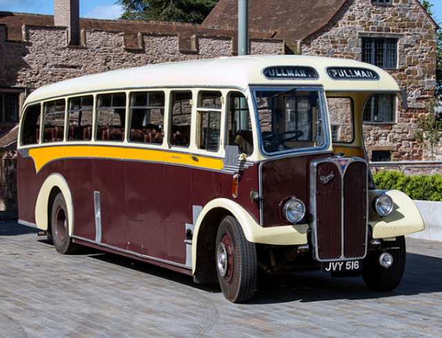A day recreating rural scenes of yesteryear with 2 beautiful 1950s single-decker coaches