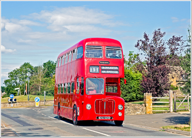 A day in the beautiful Cotswolds with a classic 1960s D9 bus recalling the heyday of the Midland Red, Wednesday 28th August 2019